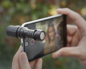 smartphone camera accessories include video mics