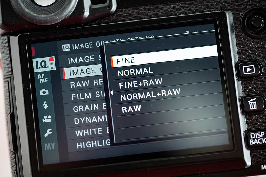 Image showing how to set image size on your camera